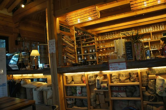 Kensington Stars Hotel : A cafe in Seoraksan national park