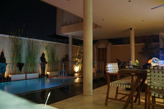 Beautiful Bali Villas: Lounge area