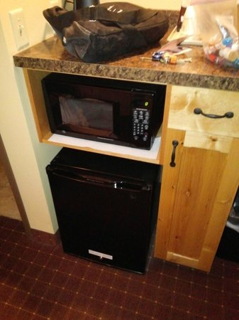 Arbuckle Lodge Gillette: Microwave, Personal coffee maker, mini fridge