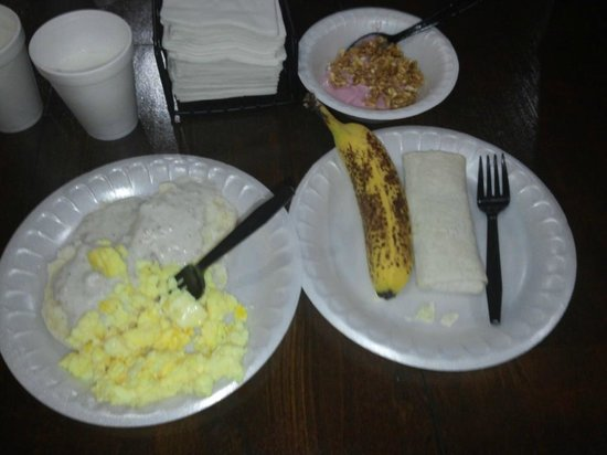 Arbuckle Lodge Gillette : just a small amount of what to eat for breakfast FREE