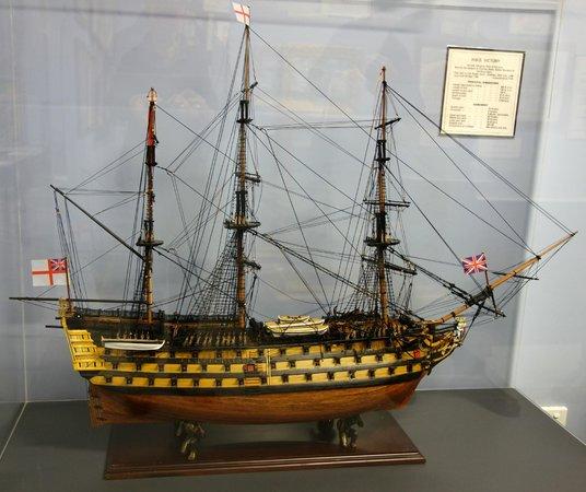 Warships & Marine Corps Museum: Models of sailing ships