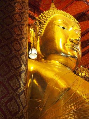 Wat Panan Choeng