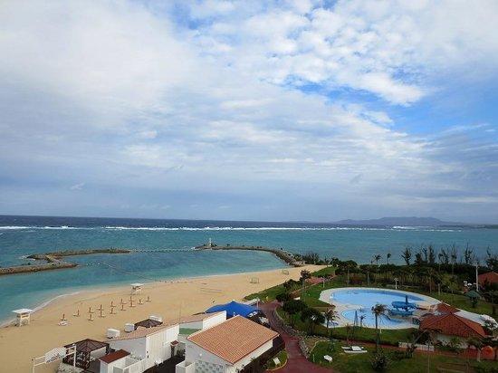 Sheraton Okinawa Sunmarina Resort: バルコニーからの景色