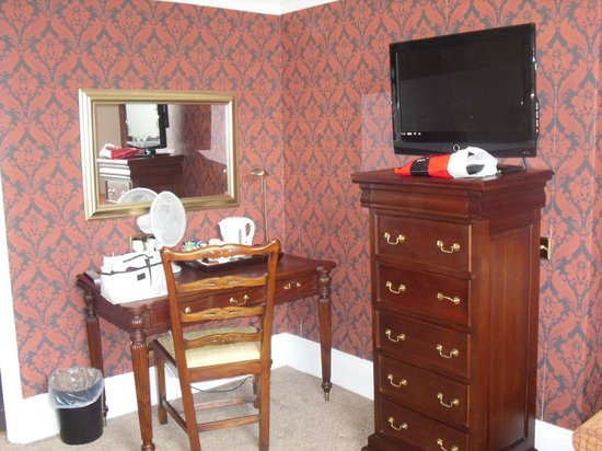 Clarence Court Hotel: Nicely presented room
