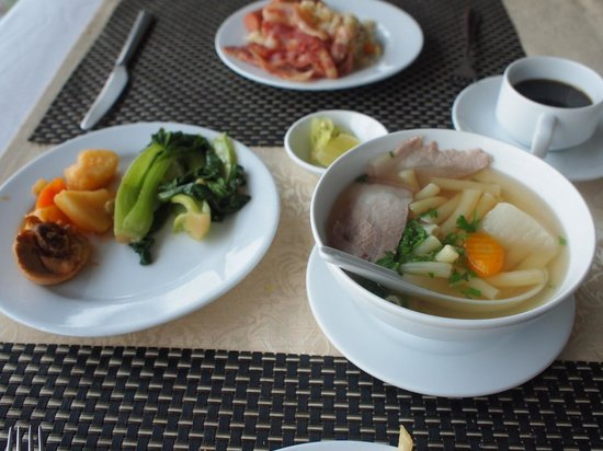 Hotel Que Huong Liberty 2: 朝食はバイキング