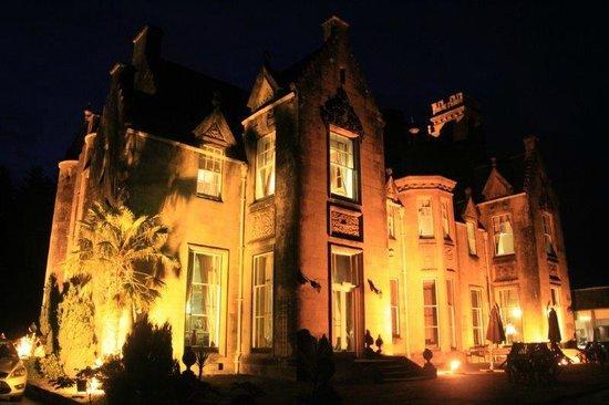 Stonefield Castle Hotel: Fachada nocturna