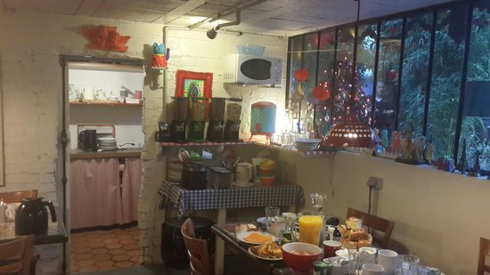 La Maison Bacana Bed and Breakfast: Comedor y desayuno