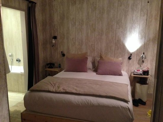 Les Plumes Hotel : Bedroom