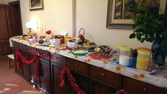 Casale dei Cento Acri: Buffet delle colazioni