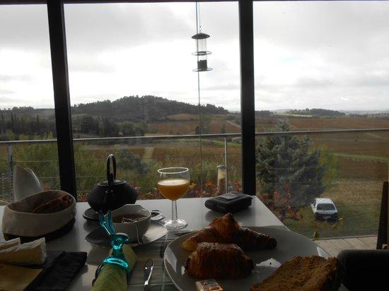 B&B Dochavert: Vue depuis la table du petit déjeuner