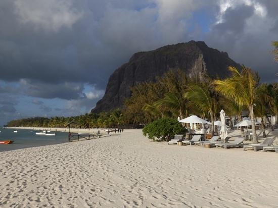 LUX* Le Morne: Beautiful even with a storm coming