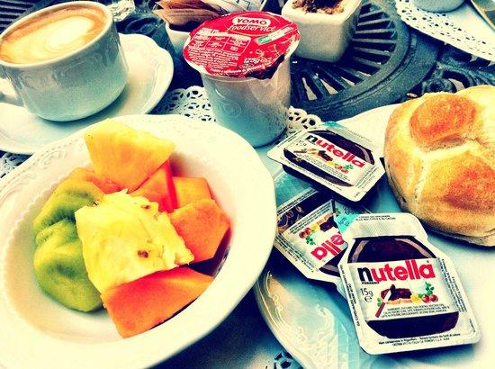 Villa San Lorenzo Maria Hotel: Hotel breakfast