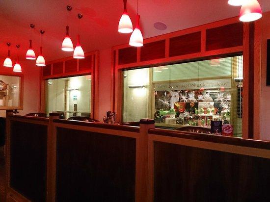 Copper Dragon Bar Bistro: Souvenir shop