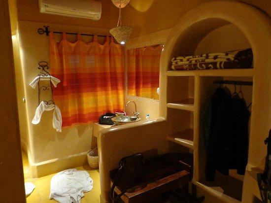 Kasbah Hotel Tombouctou: Wastafelhoek