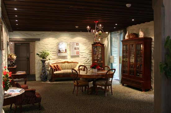 Hotel Interlaken: Холл
