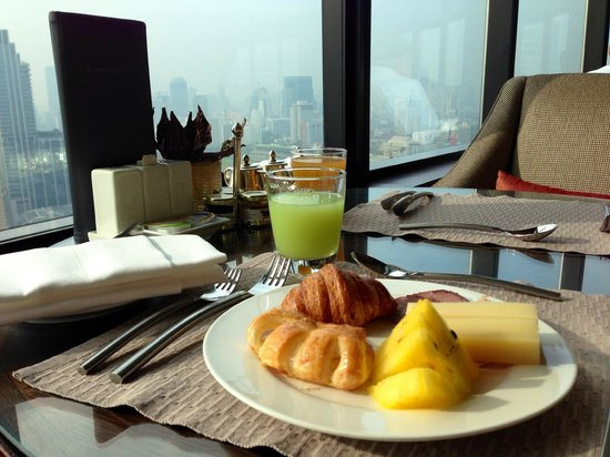 InterContinental Bangkok: Club Lounge breakfast