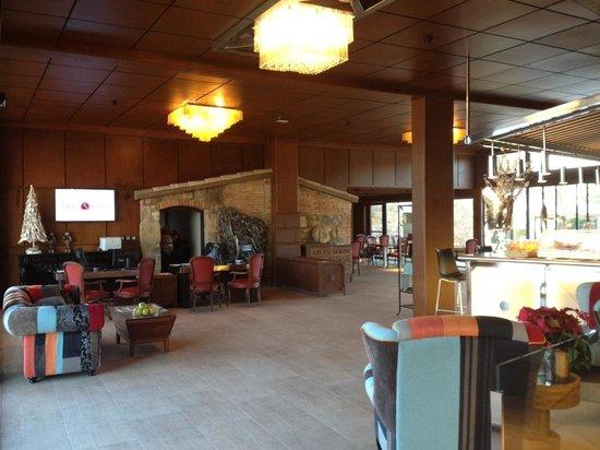 Salles Hotel Mas Tapiolas: Nueva recepción
