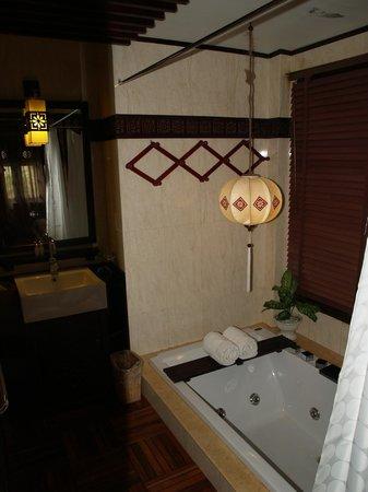 Long Life Riverside Hotel & Spa : Detalle del baño