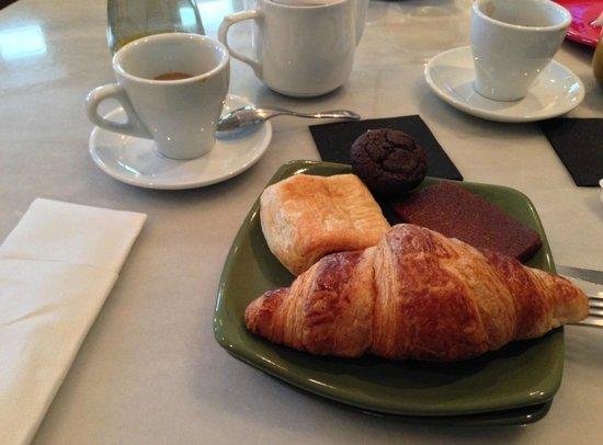 Innside Madrid Luchana: Petit déjeuner 1