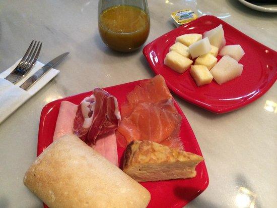 Innside Madrid Luchana: Petit déjeuner 2