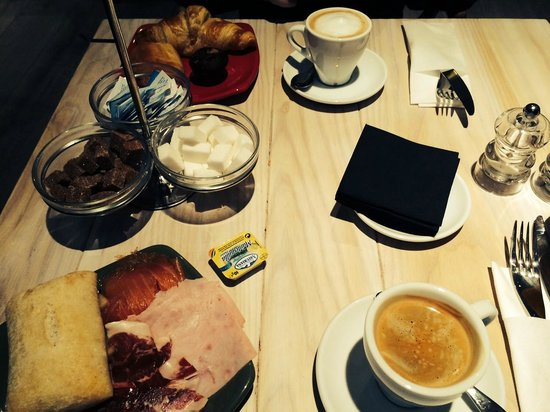 Innside Madrid Luchana: Petit déjeuner 4