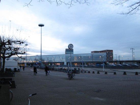MEININGER Hotel Amsterdam City West: Sloterdijk station