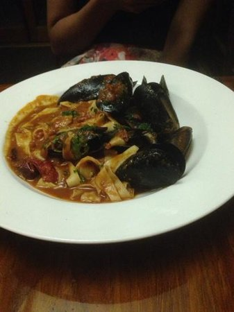 San Martino: pasta and mussels