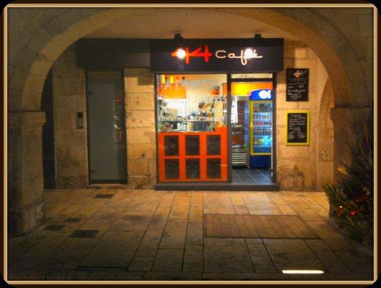 44 café : getlstd_property_photo
