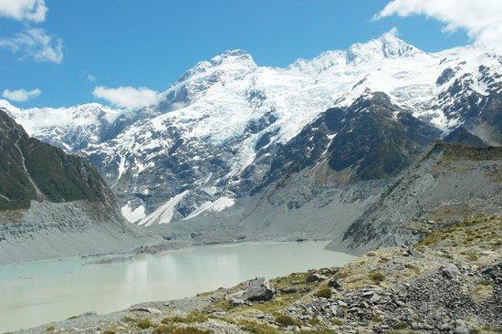 Hooker Valley Track: Glacier Lookout
