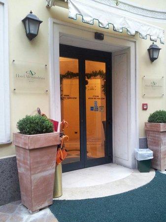 Hotel Alessandrino : L'entrée principale