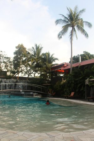 The L Resort Krabi: Pool was very clean