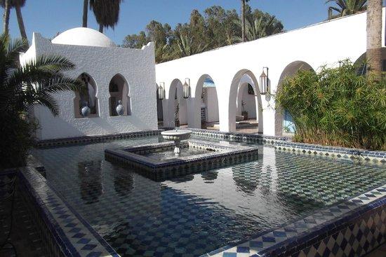 Club Med Agadir : le patio non loin de la réception