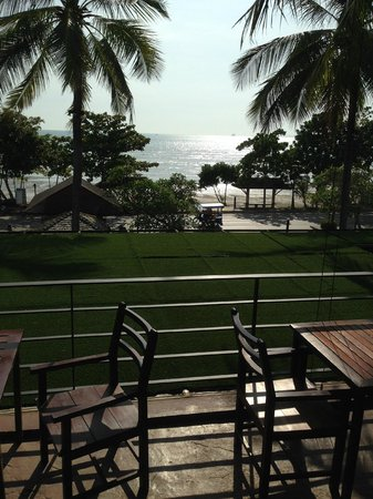 Holiday Inn Resort Krabi Ao Nang Beach: View from restaurant (of the sea)