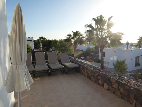 Jardines del Sol by Diamond Resorts : Sun beds on our terrace