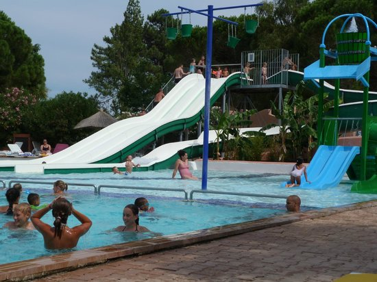 Camping le soleil swimming pool picture of camping le for Campings argeles sur mer avec piscine