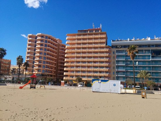 Apartamentos La Jabega : La Jabega from the beach