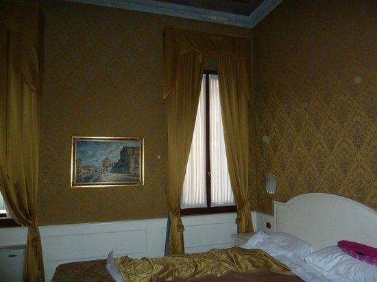 Duodo Palace Hotel : Room