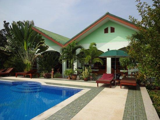 Paradise Home Resort: Blick aufs Haupthaus