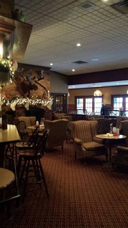 Best Western Plus Parkway Inn & Conference Centre: Bar area