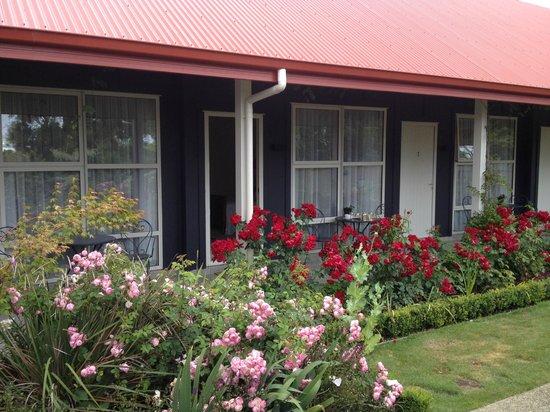 Ratanui Lodge : Ansicht Zimmertüren