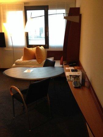 Novotel Suites Berlin City Potsdamer Platz : Dininf