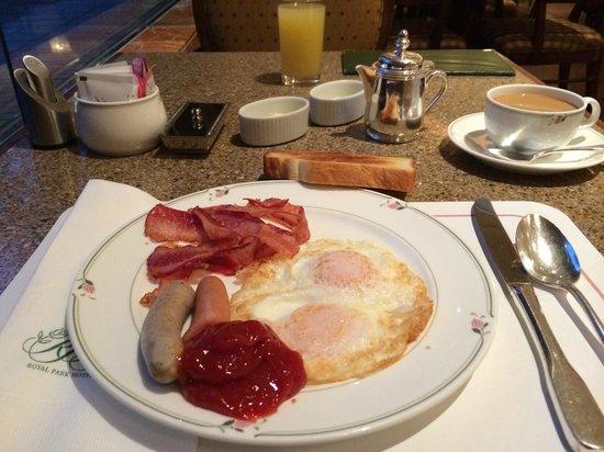 Royal Park Hotel: American Breakfast
