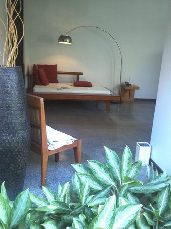 The Bali Khama Beach Resort & Spa: day bed