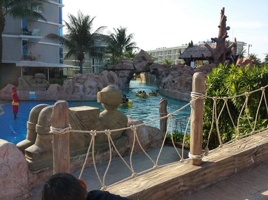 Splash Jungle Waterpark: The slow moving and relaxing river system