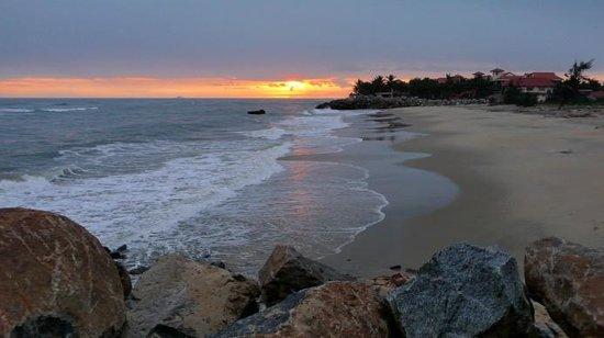 Victoria Hoi An Beach Resort & Spa : sunrise