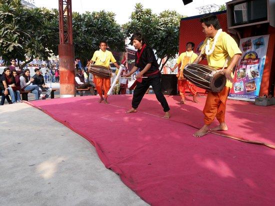Noida, India: 5