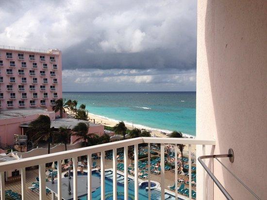 Hotel Riu Palace Paradise Island: Junior suite oceanview 4th fl.