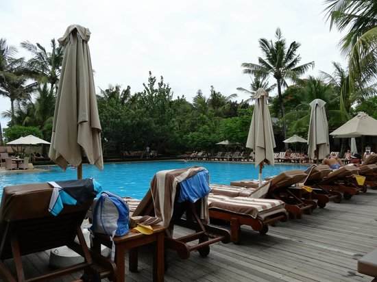 Padma Resort Legian: Pool area
