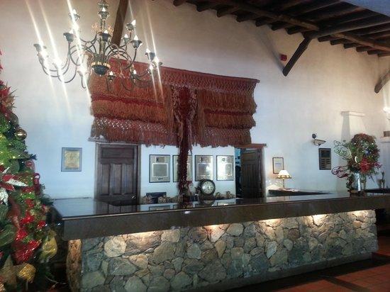Recepción del hotel La Trucha Azul.