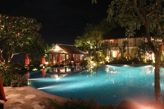 Sudamala Suites & Villas Senggigi : View of the common pool